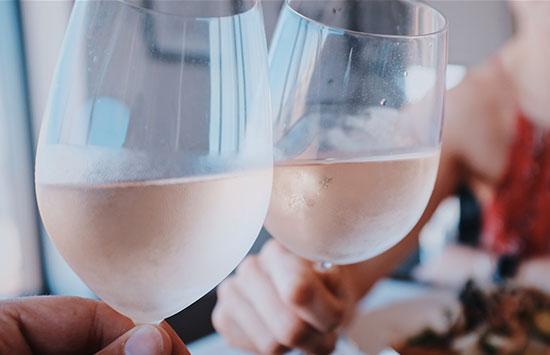 vino-espumoso-mariterra-restaurante